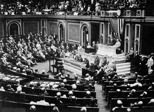 Президент Вильсон ставит перед Конгрессом вопрос об объявлении войны Германии. Заседание 3 февраля 1917 года.