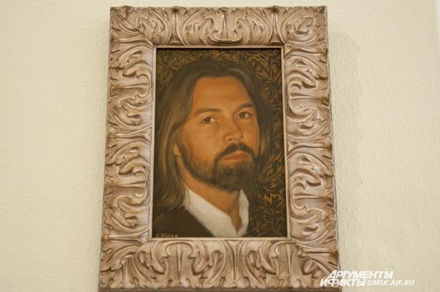 На выставке можно увидеть и автопортрет руки мастера.