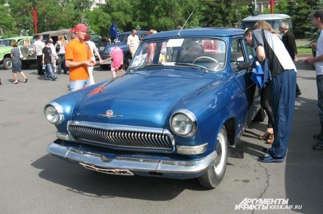 Ретро-автомобили пользуются у красноярцев большой популярностью.