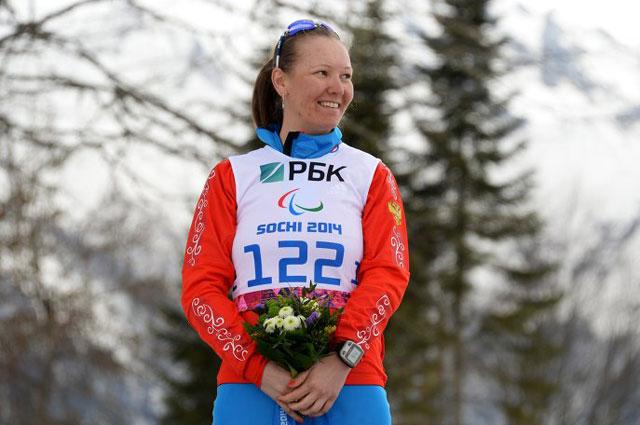Анна Миленина, завоевавшая серебряную медаль в гонке на короткой дистанции в классе LW 2-9 (стоя) среди женщин в соревнованиях по биатлону