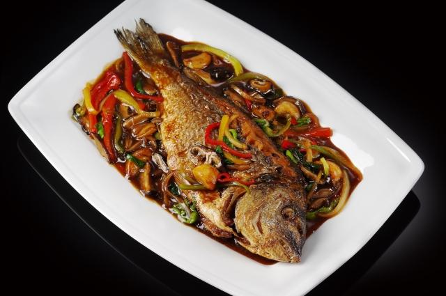 Дорадо Хуншао (рыба в азиатском соусе)