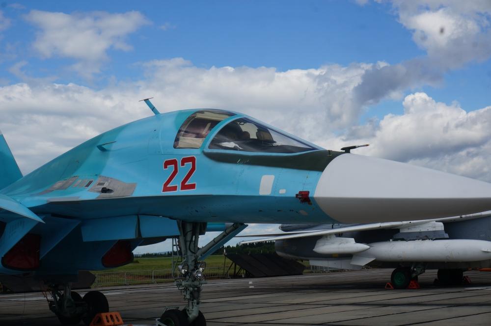 Организаторы заявили, что Су-34 представлен на открытой экспозиции впервые.