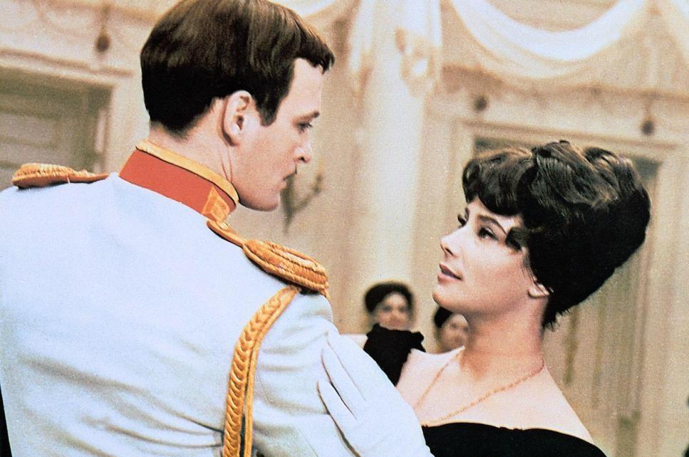 Василий Лановой и Татьяна Самойлова. Кадр из фильма «Анна Каренина», 1967 год