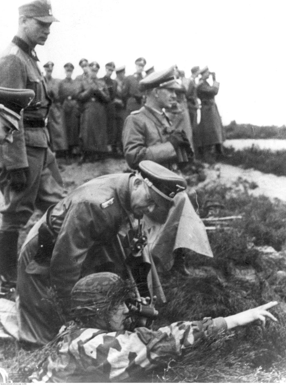 Гиммлер вокопе нафронте, ок. 1943–1944гг.