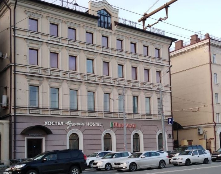 Дом купца Коровина, где блогер присмотрела для себя лестницу, находится на улице Пушкина.