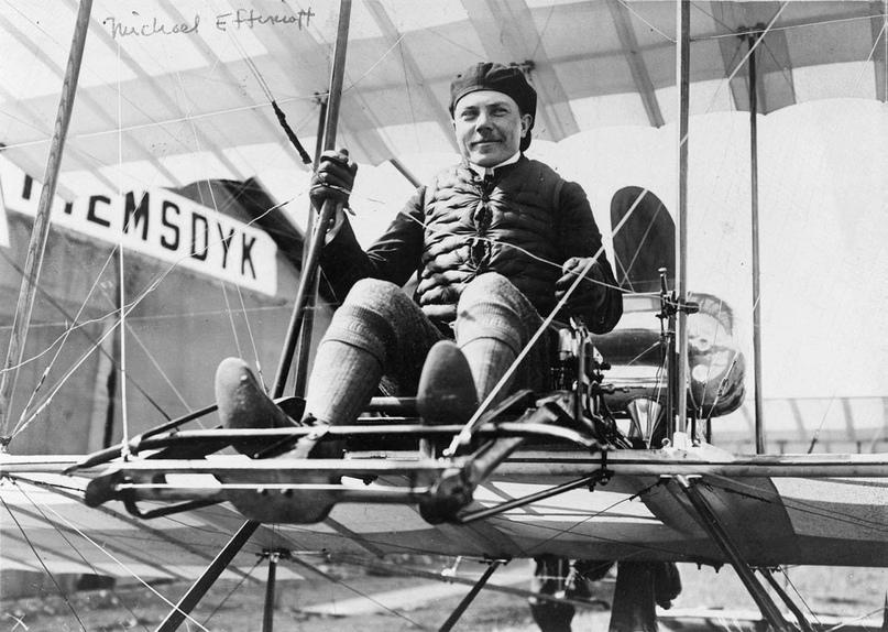 Первый русский лётчик Михаил Ефимов.