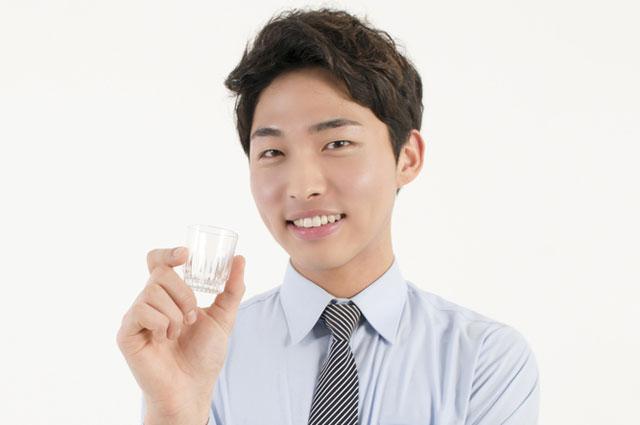 В среднем в неделю кореец выпивает 13,7 рюмки соджу (корейской водки)