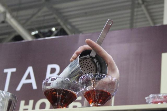 Клиент должен присутствовать при приготовлении напитка.