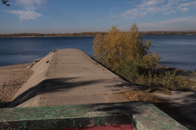 Один из выходов из бункера ведет на берег Волги.