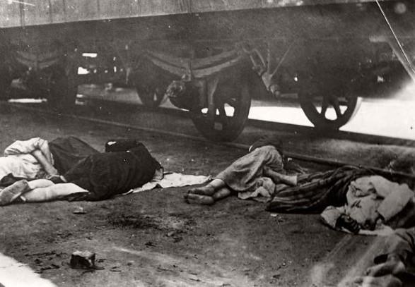 Крестьяне бежали в другие регионы, но погибали от голода в дороге.
