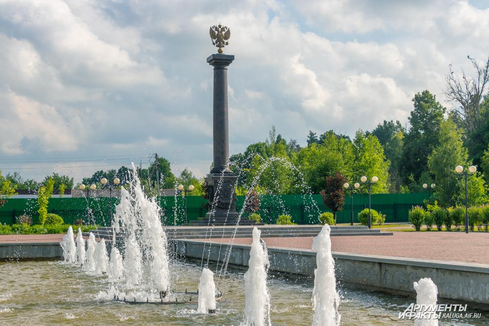 При таком бедственном положении фонтаны в Козельске продолжают работать. На это тратят и драгоценную воду, и время водителей автоцистерн.