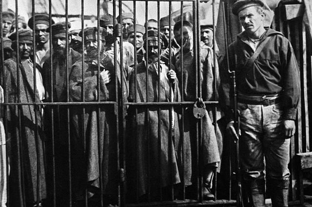 Переправка заключенных на остров Сахалин на пароходе Петербург
