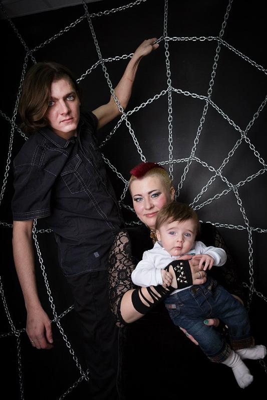 Меньшиковы со старшим сыном.
