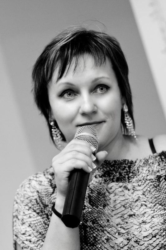 Ксения Высоцкая, 42 года, ведущая и организатор свадеб, брачный регистратор