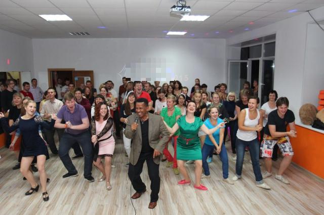 Танцевальные школы представят своё направление.