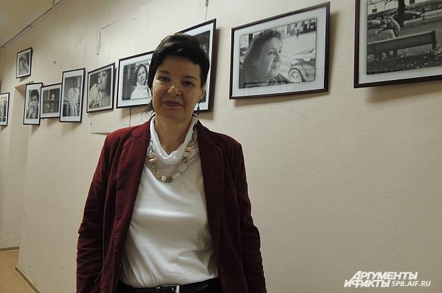 Автор выставки Инна Шолпо.