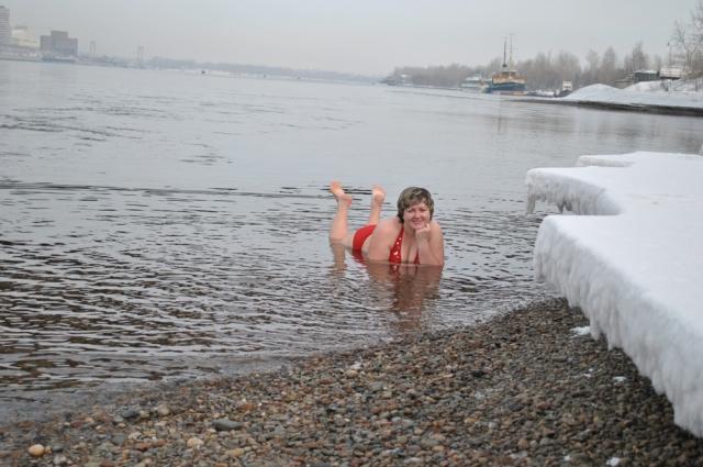 Красноярские моржи могут плавать в Енисее круглый год.