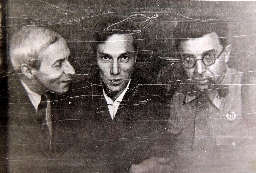 Н.Н.Асеев, Б.Л.Пастернак, И.Л.Сельвинский. г.Чистополь. 1942 год. Фото В.Д.Авдеева.