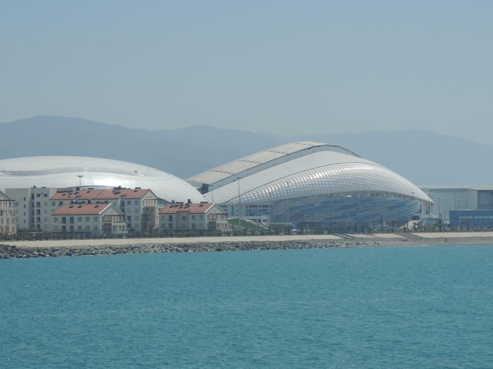 Так выглядят олимпийские объекты со стороны Имеретинского порта