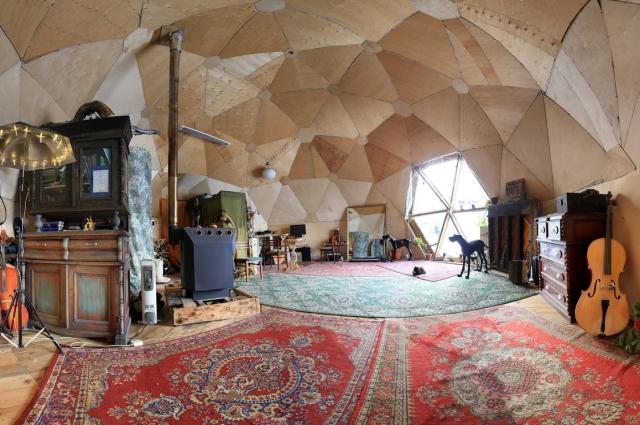 Купольный дом Ивана Мазуренко в Новосибирске