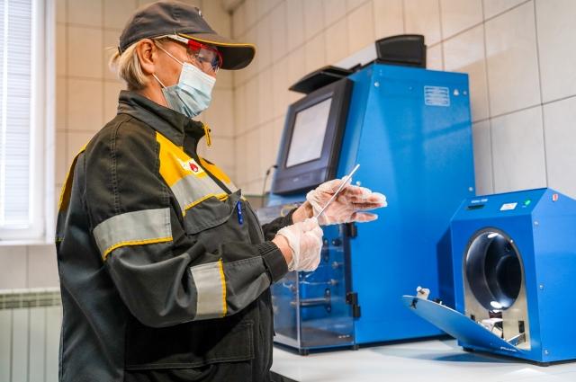 На Новокуйбышевском НПЗ все сырье и  продукция проходит тщательный контроль качества.