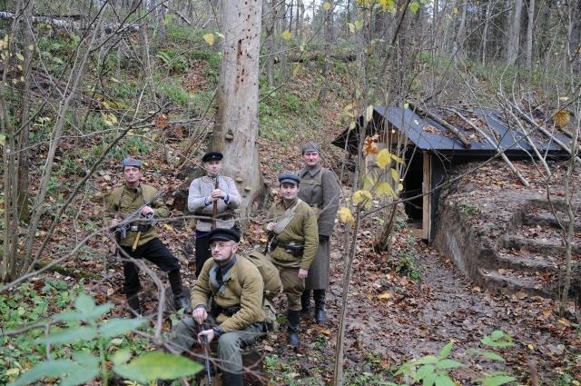 Полевой выход - В партизанских землянках отряда Передовой.