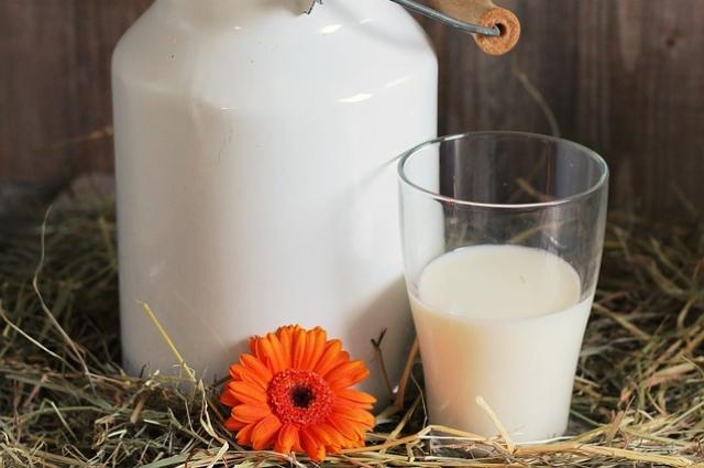 Молоко на зиму замораживали.