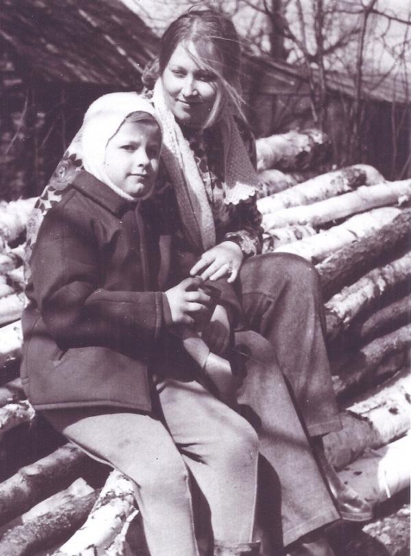 Заместитель председателя ВООПиК Ирина Голубева с нынешним председателем Андреем Лебедевым. 1971 год.