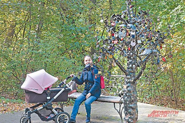 Арт-объект «Дерево желаний» нравится всем жителям района. Создание локальных общественных пространств – одна из основных задач программы «Мой район»