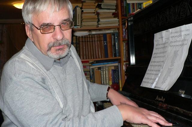 Издано уже 30 книг Евгения Филенко. В работе у писателя еще несколько.