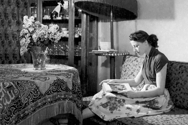 Майя Плисецкая у себя дома. 1984 год