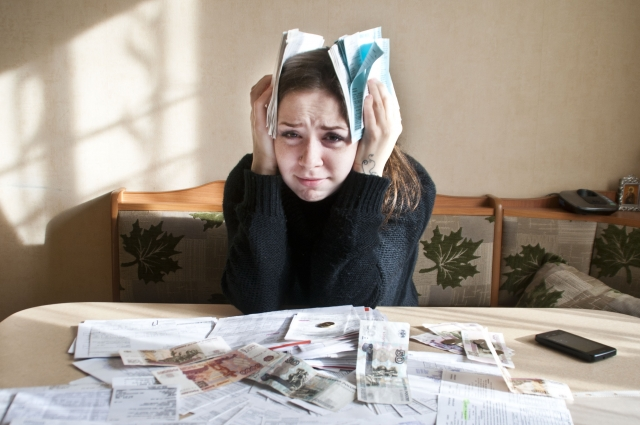Нередко оренбуржцам приходится выбирать, по каким долгам расплачиваться немедленно, а какие могут подождать.