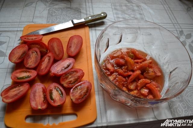 Серединки помидор пойдут на горлодер.