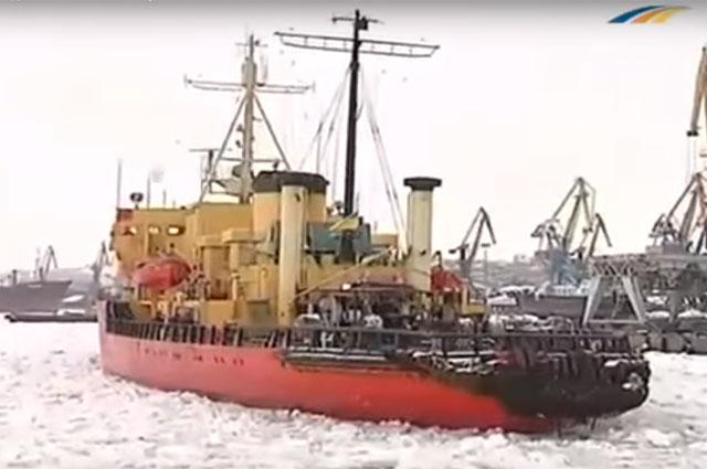 Ледокол «Капитан Белоусов».
