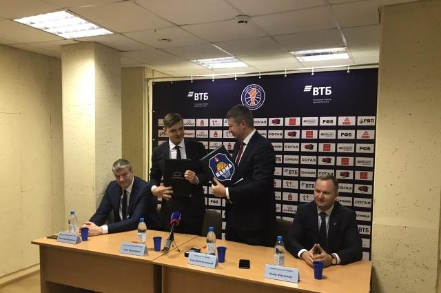 Такое подписание было очевидно и мы не могли пройти мимо друг друга», – прокомментировал президент клуба Сергей Богуславский.