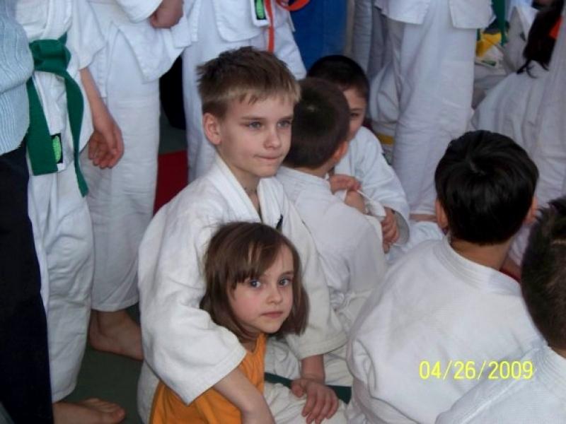 Кирилл с детства присматривал за младшими сестрёнками