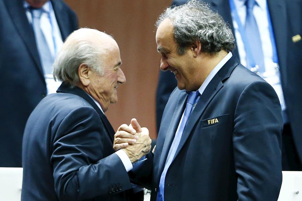 Йозеф Блаттер и Мишель Платини после выборов президента ФИФА в мае 2015 года