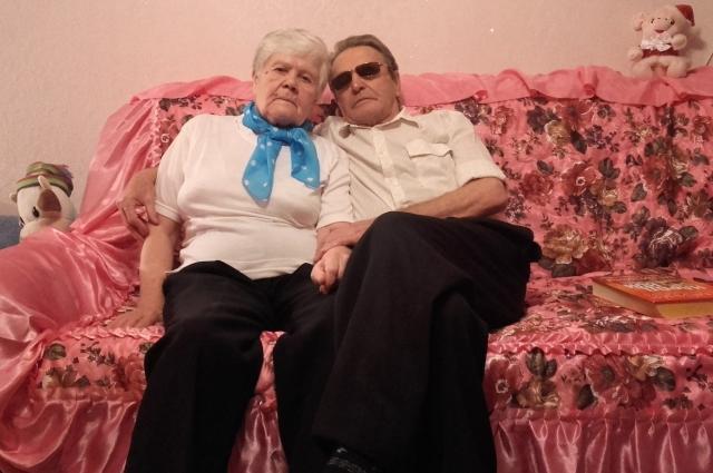 Валентина и Василий в гостях у внуков.