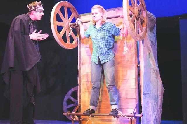 Омская версия спектакля драматургу понравилась.