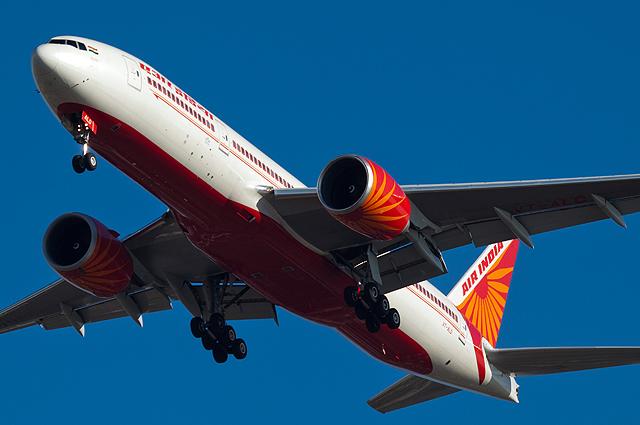Самолет компании Air India.