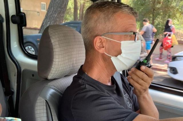 Таксисты обязательно носят маски.