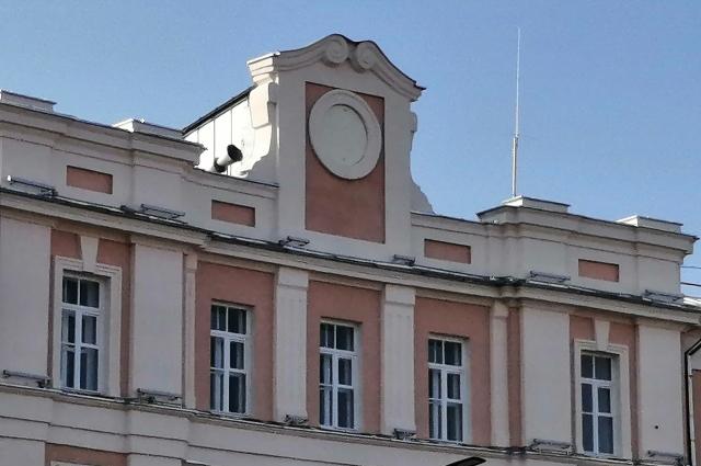 Так выглядела верхушка здания несколько дней назад.