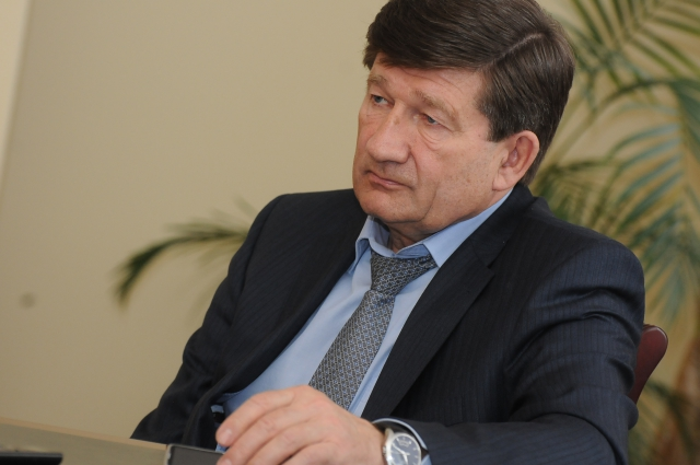 Вячеслав Двораковский не спешил нравится избирателям.