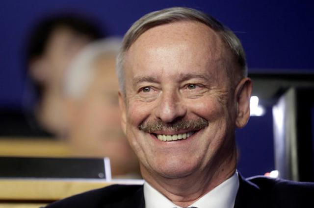 Кандидат от фракций входящих в правящую коалицию Социал-демократической партии (СДП) и Реформисткой партии Сийм Каллас.