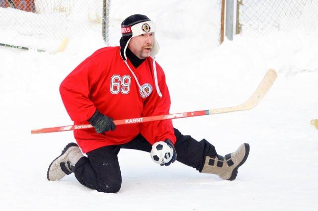 В последние годы хоккей на валенках приобрёл в Ижевске особую популярность.