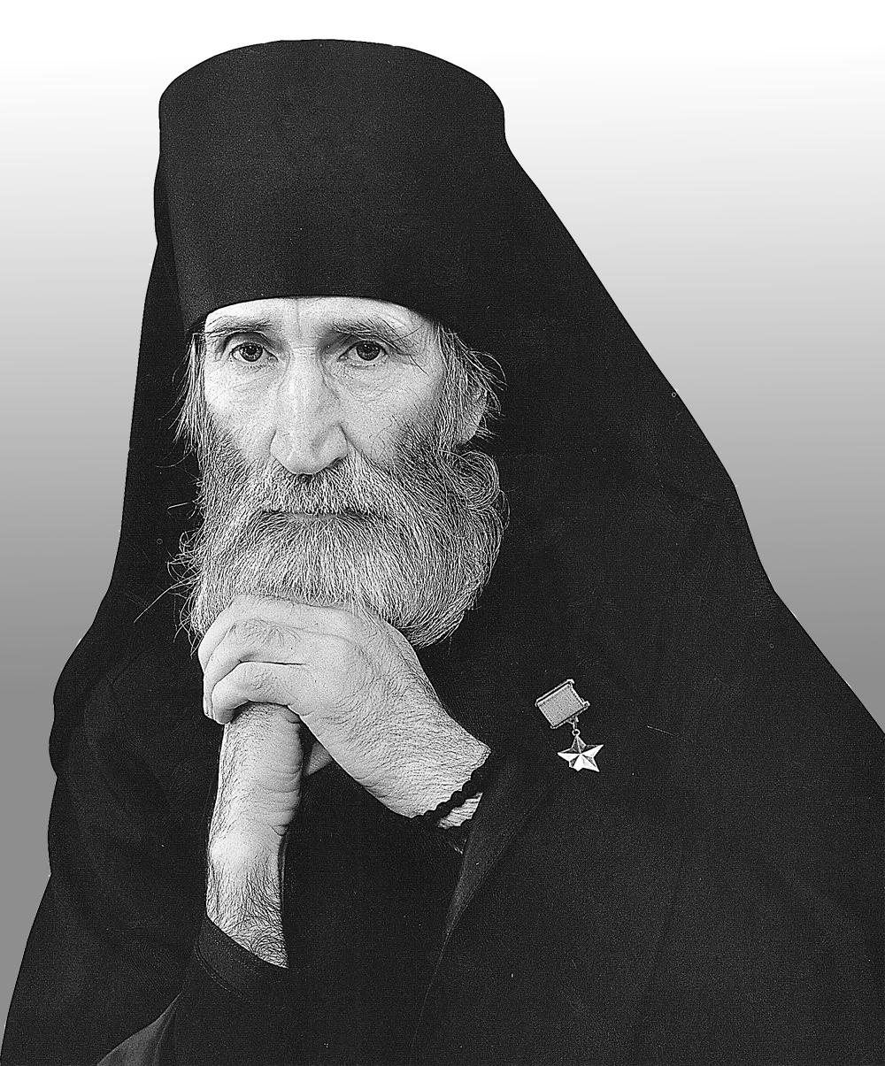 «Служение людям в монашестве сложнее и труднее, чем даже ратный труд на войне».
