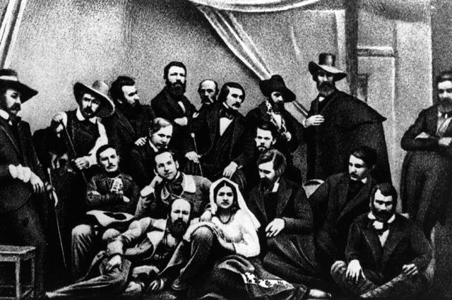 Писатель Николай Васильевич Гоголь (стоит 4 справа) с группой русских художников в Риме. 1845 год.