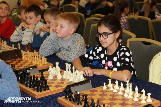 В шахматном турнире приняло участие 246 ребят со всего юга России.