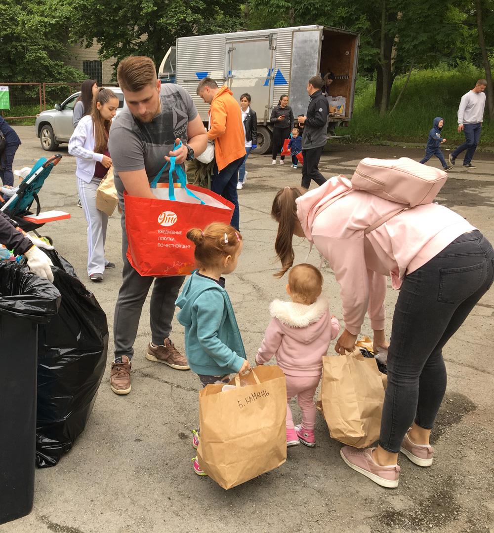 К раздельному сбору мусора детей приучают сызмальства