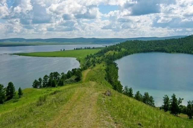 Знаменитые шарыповские озёра поражают своей красотой.